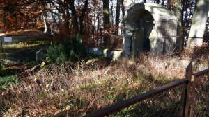 Kleiner Friedhof an der Diepoldsburg