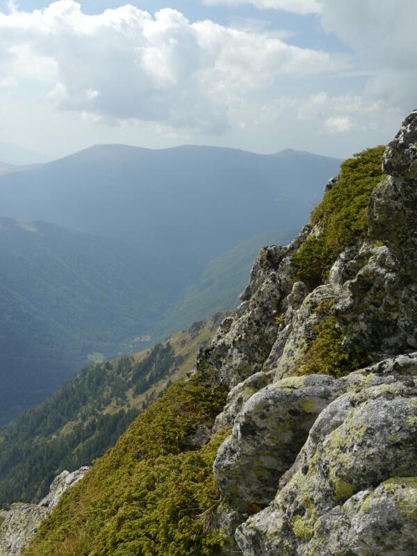 ... weit unten im Tal das Rila Kloster