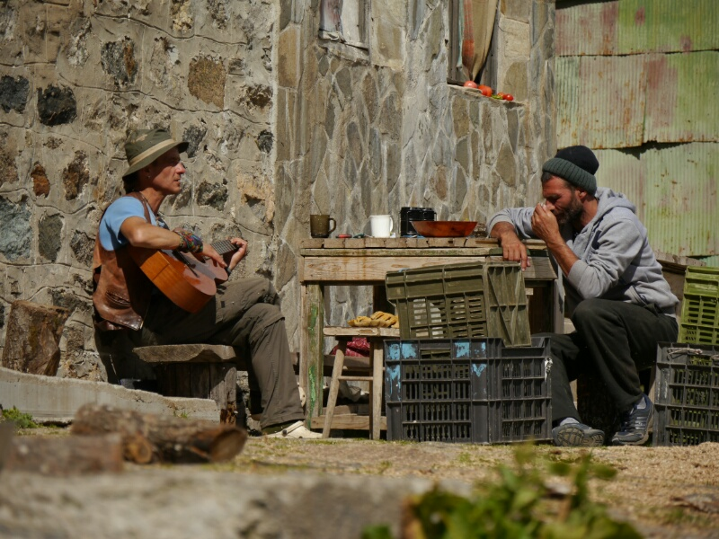 Der Gitarrenman vor der Hütte Ivan Vazov