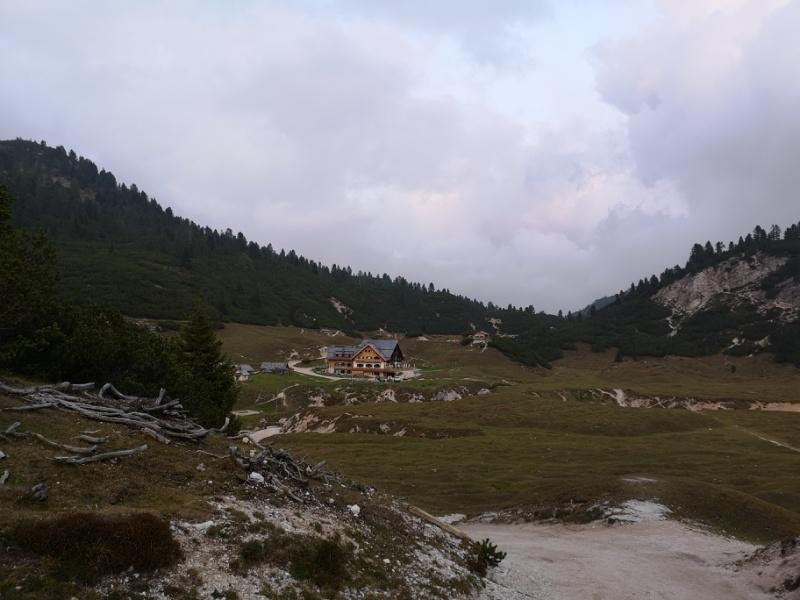 Blick auf das Rifugio Fodara